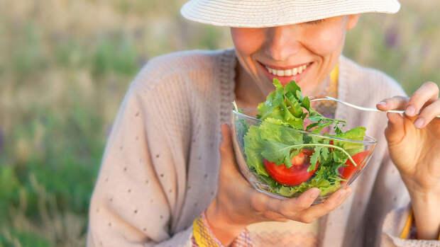 Ученые рассказали о пользе овощей и фруктов для психики