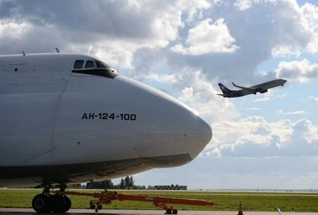 Пилот предрёк коллапс авиаотрасли после отказа зарубежных компаний поставлять в РФ комплектующие