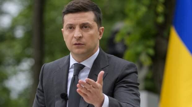 """Сайт президента Украины """"отправил в отставку"""" Зеленского"""