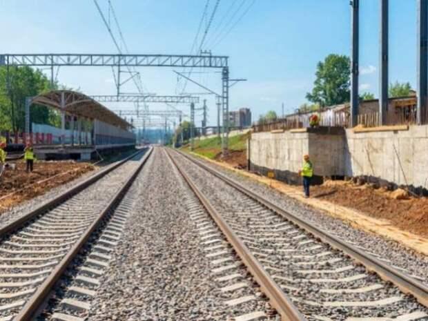 В Анапе произошло страшное ДТП: поезд раздавил легковушку с людьми