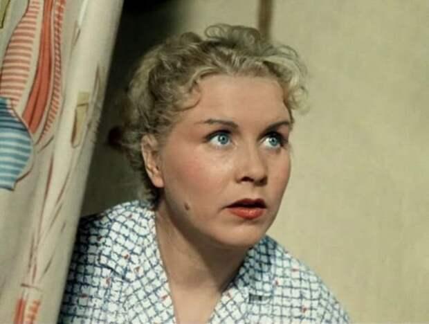 Маргарита Назарова в фильме *Полосатый рейс*, 1961 | Фото: vokrug.tv