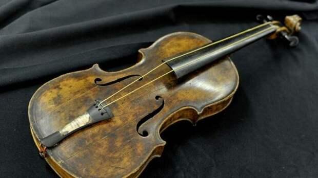 Скрипка, принадлежавшая музыканту оркестра «Титаника»