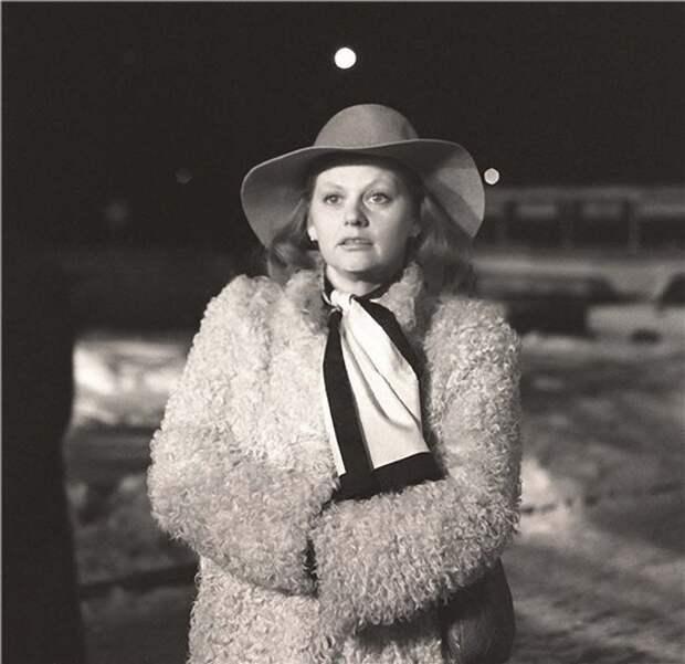 Как менялась самая обаятельная и привлекательная советская актриса Ирина Муравьёва с течением времени.