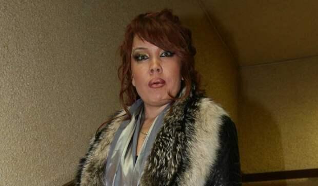 57-летняя Азиза собралась рожать от молодого избранника