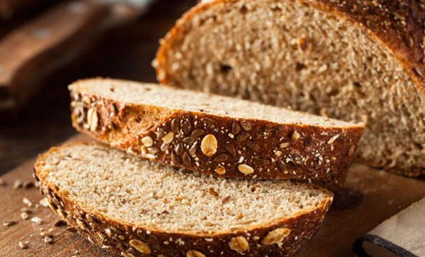 Соленья и жирное: 5 продуктов, которые нельзя есть с хлебом