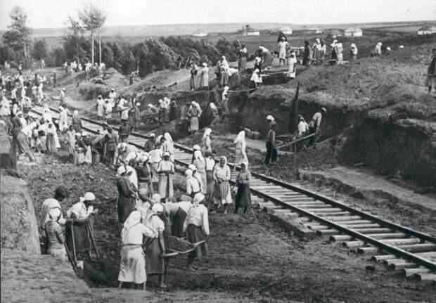 Военный экзамен советских путейцев. Повесть о невероятной человеческой стойкости!