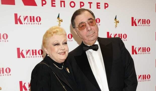 Вдова Баталова выразила благодарность обманувшим ее Дрожжиной и Цивину