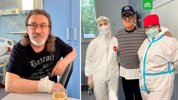 Вакцинированные Александр Буйнов и Владимир Кузьмин попали в больницу с COVID-19
