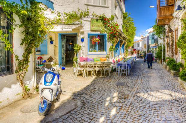 Самые живописные улицы и улочки нашей планеты