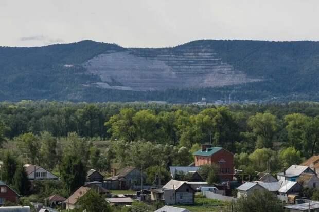 Карьер известкового камня в Липовой Поляне в районе поселка Богатырь