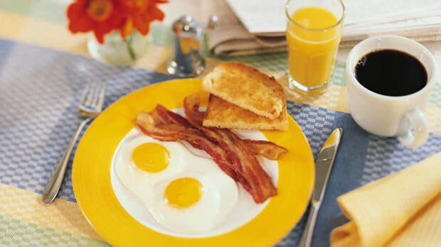 Диетолог перечислил продукты для идеального завтрака