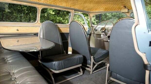 Весьма скромный салон «Скарабея» с диваном и регулируемыми кожаными креслами авто, автомобили, атодизайн, дизайн, интересный автомобили, олдтаймер, ретро авто, фургон