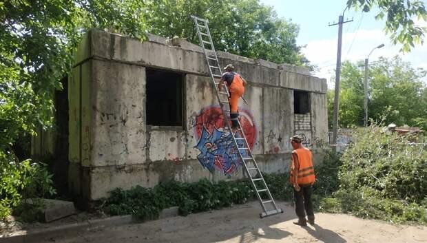 В микрорайоне Климовск Подольска начали демонтаж незаконных строений