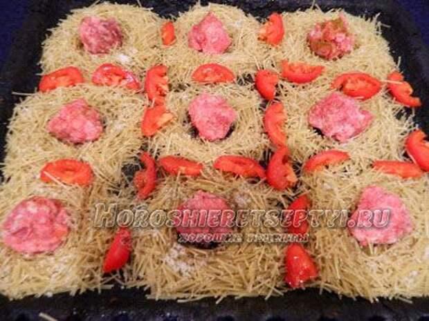 Гнезда с фаршем в духовке