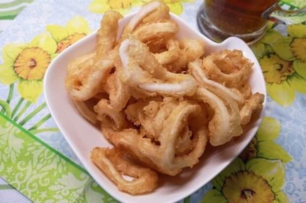 Фото к рецепту: Кольца кальмаров в хрустящем кляре
