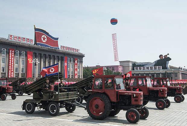 Парад военной техники, посвященный 60-летию окончания Корейской войны. Пхеньян. 27 июля 2013 года Фото: Илья Питалев / РИА Новости