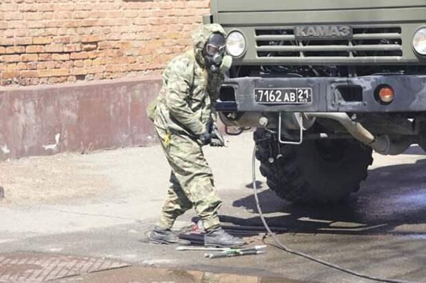 Военнослужащие РХБ защиты ЮВО провели дезинфекцию военкоматов в Северной Осетии