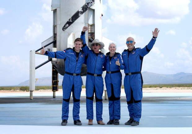 Джефф Безос успешно вернулся из космоса