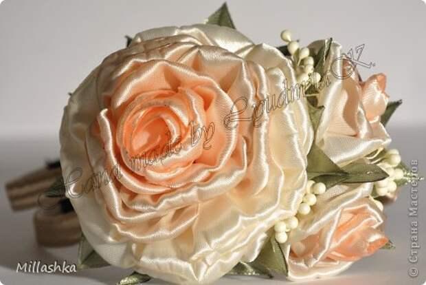 """Сегодня хочу показать вам, дорогие жители СМ, МК """"Пышная роза"""" или, как называю ее я, """"Роза для ленивых"""".Спросите: """"Почему для ленивых?"""". Отвечу: """"Да потому-что проще некуда!Быстро и ооочень красиво!"""" фото 1"""