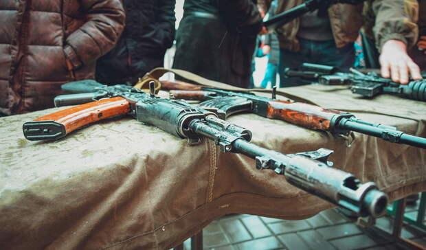 В Уфе полиция приехала в учебное заведение из-за сообщений о мужчине с ружьем