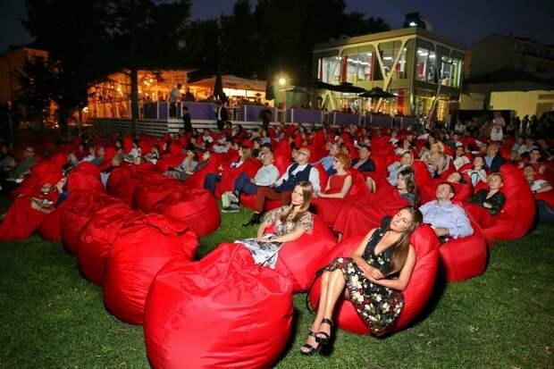 Летние кинотеатры «КАРО» обзаведутся новой площадкой на территории Музея Москвы