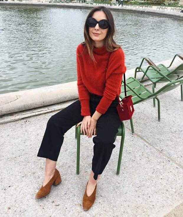 Красный свитер: с чем его носить, с джинсами, юбкой, брюками