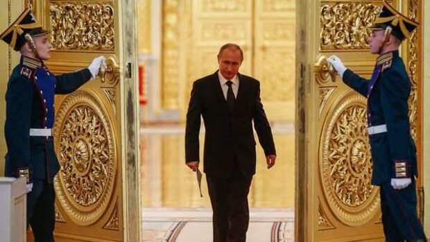 Зеленский пакует «тревожный чемоданчик». Украина ждёт Путина