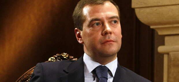 На Западе правоохранительные органы жестко пресекают незаконные акции, но но Россию почему-то за это...