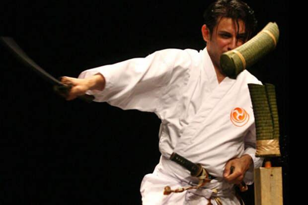 Катана: отличие в работе любителя и самурая