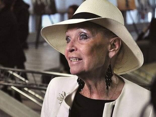 «КП»: 80-летняя Светлана Светличная попала в больницу с инсультом