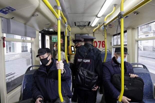 В Севастополе усилили контроль за соблюдением масочного режима в общественном транспорте