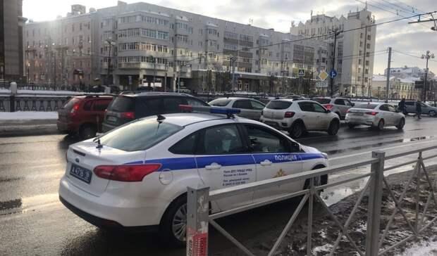 ВКазани водитель сбил человека, когда тот выходил изавтобуса