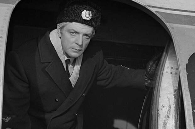 Последний из могикан.  Исполнилось 90 лет народному артисту СССР Олегу Стриженову