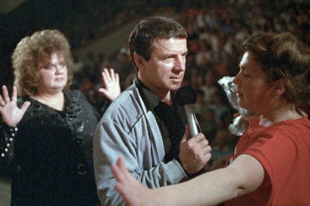 «Почестей мне неоказывают»: как живет экстрасенс 80-х Анатолий Кашпировский