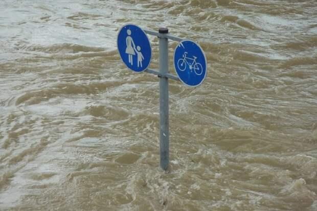 Семерых погибших нашли в Германии после наводнения