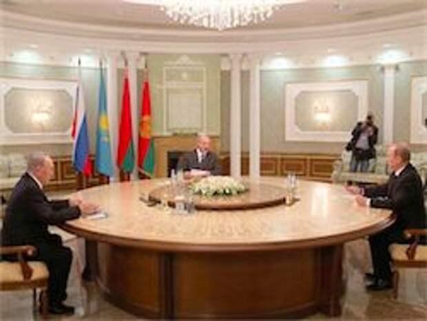 Новость на Newsland: Путин обсудил с Назарбаевым и Лукашенко Украину и эмбарго РФ
