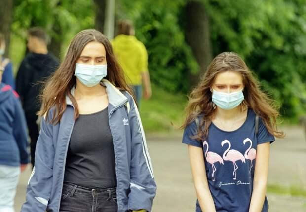 Рост заболеваемости: эксперты о рисках новой волны коронавируса