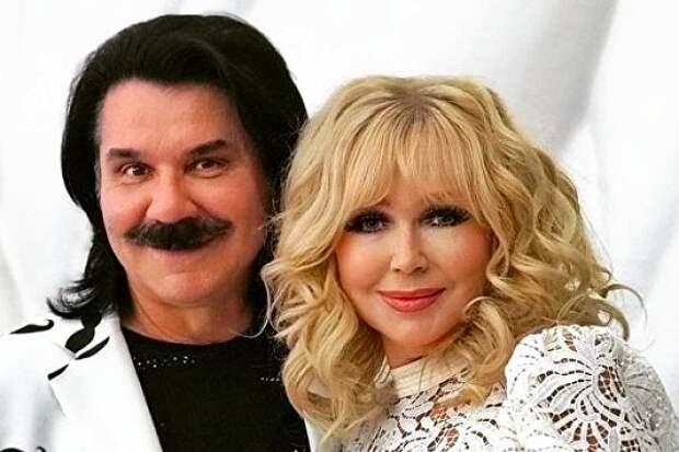 «Антитела растут»: жена легендарного украинского певца переболела коронавирусом