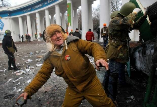 Ко мне прибегало много новых сказочников про то, что «Майдан организовал Путин!»