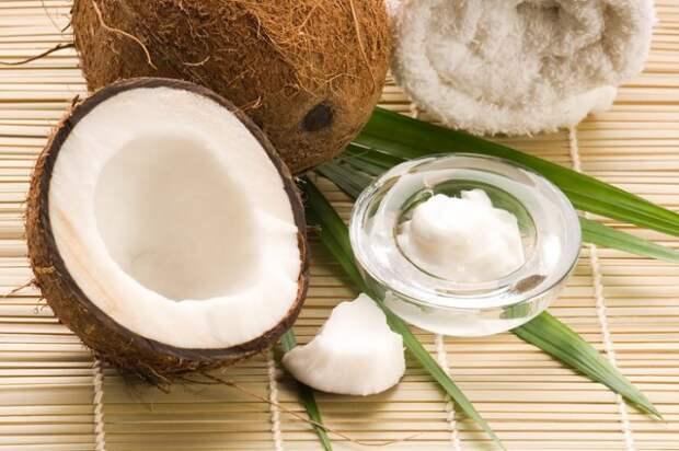 Почти на все случаи жизни: ещё 17 способов использования кокосового масла