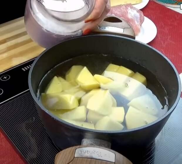 Если у вас есть картофель, приготовьте этот вкусный рецепт. Несколько минут и ужин готов