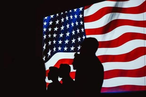 Безумие продолжается: обладательница Grammy хочет изменить флаг США (ФОТО) | Русская весна