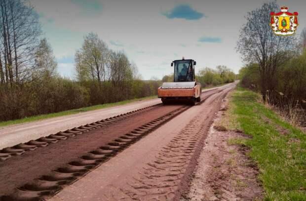 В Ермишинском районе ремонтируют дорогу