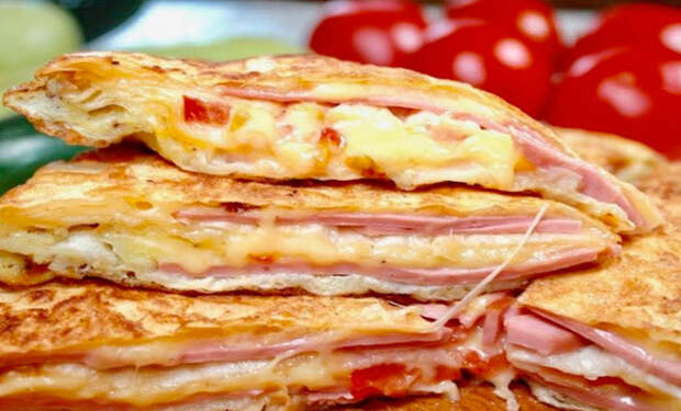 Завтрак для самых ленивых: складываем слои друг на друга и получаем сковородку еды