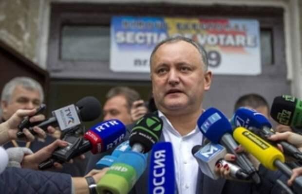 """Что Запад приготовил для Молдовы? Эксперты – об угрозе нового """"цветного переворота"""""""