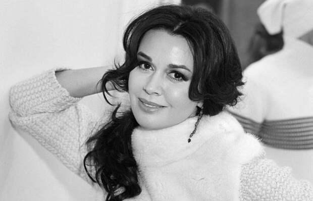 Виражи судьбы главной няни российского телевидения: Анастасия Заворотнюк