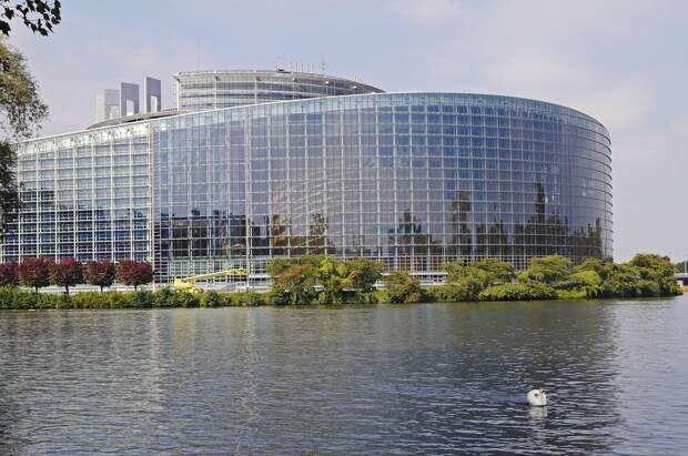 Nyhetsbanken: Еврокомиссия разжигает неприязнь к России