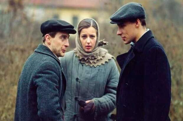 Отличные сериалы про советскую жизнь