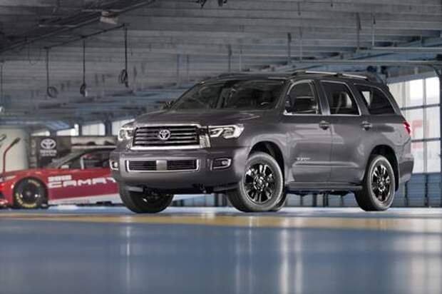 Тяжелая кавалерия: Toyota RAV4 и Sequoia получили спецверсии