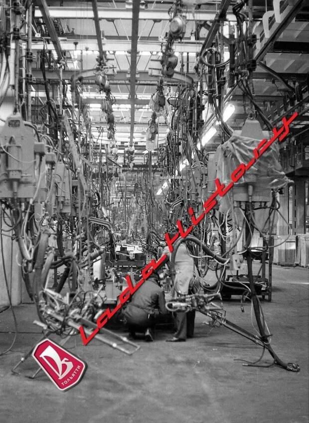 Подготовка кондуктора пола к сварочным работам авто, автоваз, автозавод, автомобили, ваз, ваз 2121, нива, ретро фото